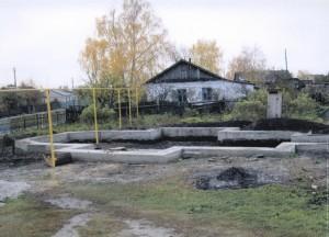Фундамент строящегося храма в честь Святой Троицы